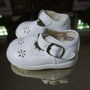 White Baby Shoes sz 1